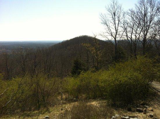 Kennesaw Mountain National Battlefield Park: View of Little Kennesaw Mountain from atop Kennesaw Mountain