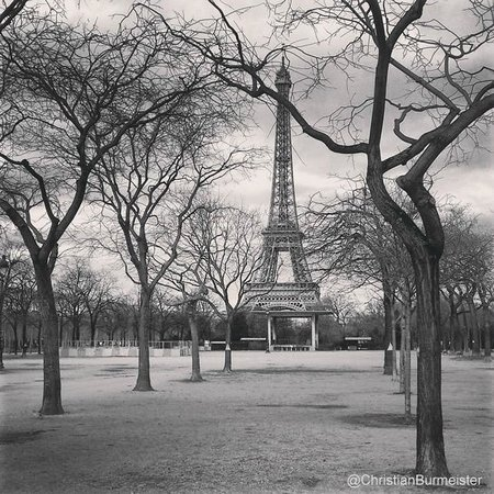 Hotel de l'Empereur : The Eiffel tower, a quick walk from the hotel