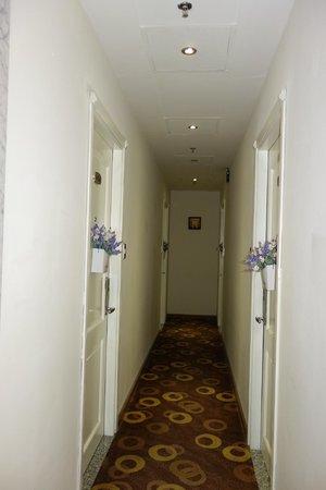 Alagon Saigon Hotel & Spa : hallway