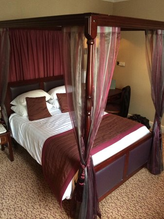 Shrigley Hall Hotel, Golf & Country Club : Four Poster Room