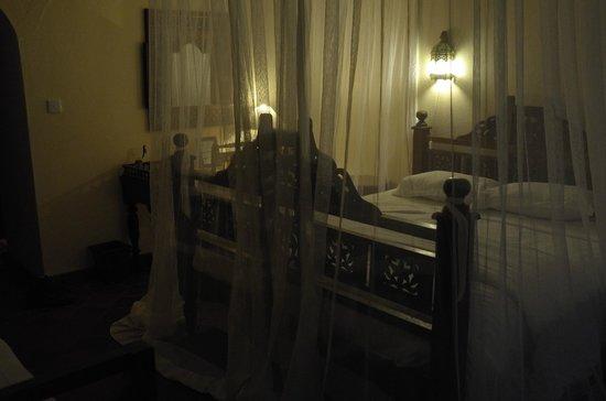 Diani Blue: Room