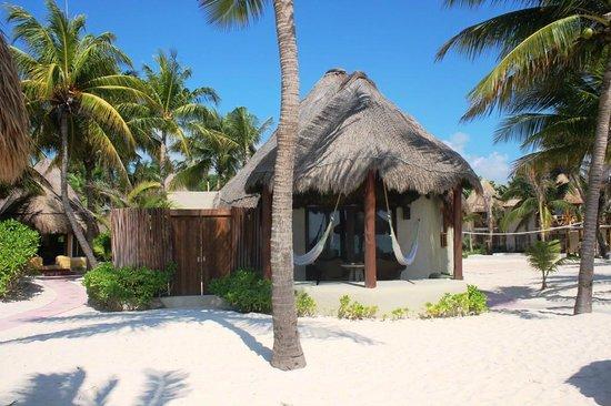 Mahekal Beach Resort: Casitas beach front de luxe
