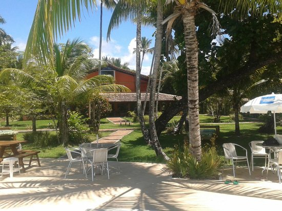 Karapitangui Praia Hotel: Jardin