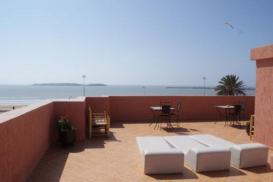 Residence Louzani: Terrasse