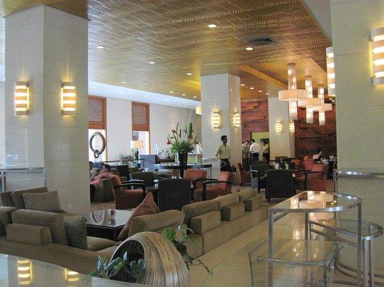 Cinnamon Lakeside Colombo: lobby