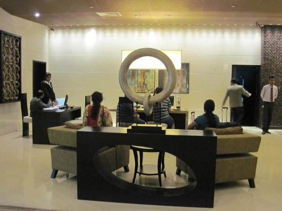 Cinnamon Lakeside Colombo: lobby