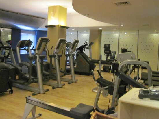 Cinnamon Lakeside Colombo: gym