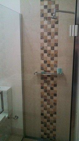 Mantra Charles Hotel: Bath