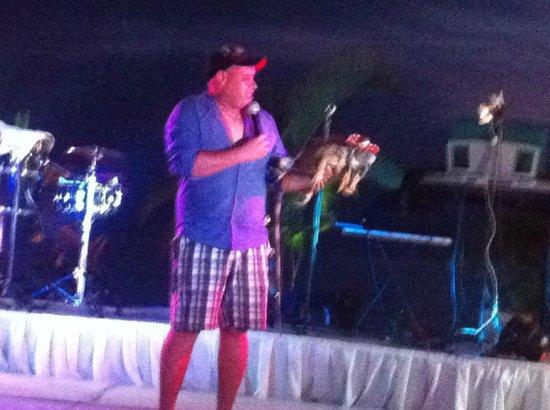 Friendly Vallarta All Inclusive Family Resort: The local iguana