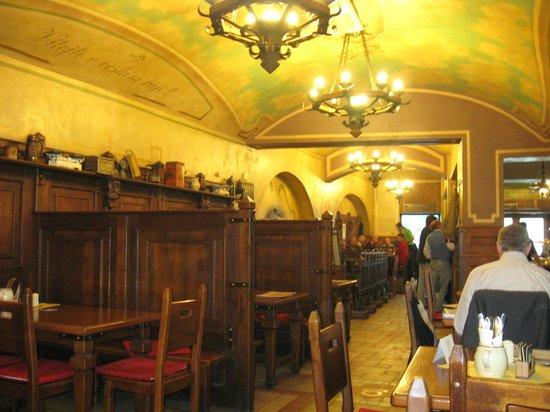 Plzensky restaurant Andel : Первый зал - пивная