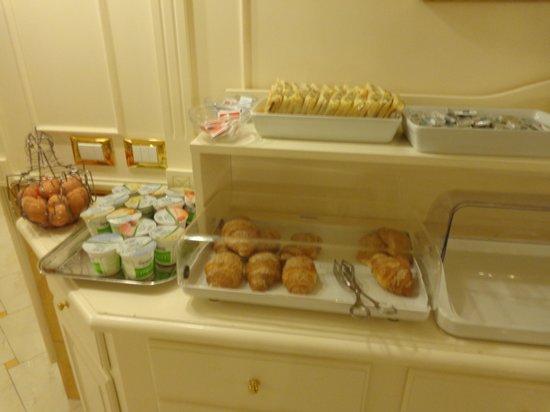 Hotel Villa Rosa: Buffet desayuno