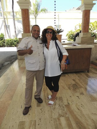 Excellence Punta Cana : OUr favourite bellboy Juan