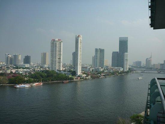 Chatrium Hotel Riverside Bangkok : river view