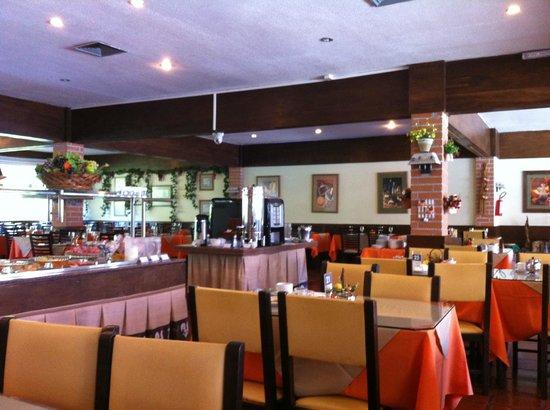 Hotel Colonial Iguaçu : Área do restaurante.