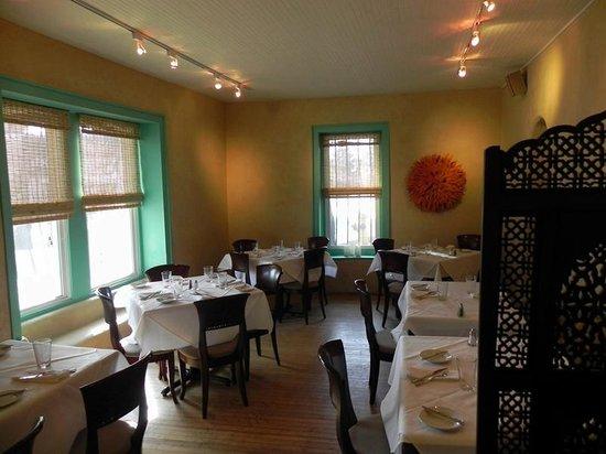 Lambert's of Taos: Main level dining