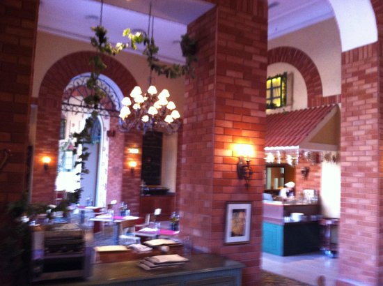 Cucina: Interior, view from my table