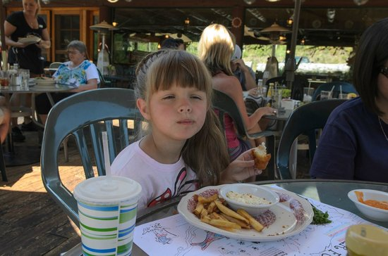 Silver Fork Lodge & Restaurant: Fish and chips