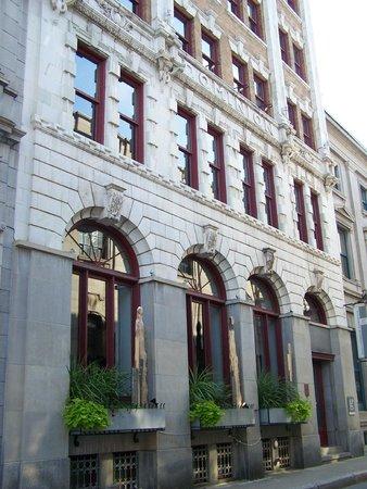Rue St.Pierre: Rue St-Pierre, côté nord, architecture d'influence anglaise