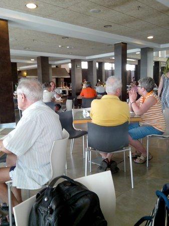 R2 Bahia Playa: la salle du resto