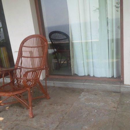 Lemon Tree Vembanad Lake Resort: a room sitout