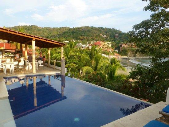Bungalows La Madera: pool area