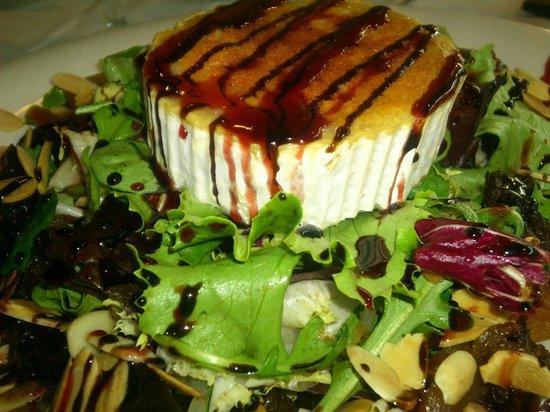 A Casa da vina: Ensalada de queso de cabra si es recomendable