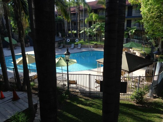 Vanllee Hotel and Suites : Pool area