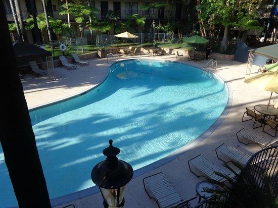 Park Inn by Radisson Covina: Pool
