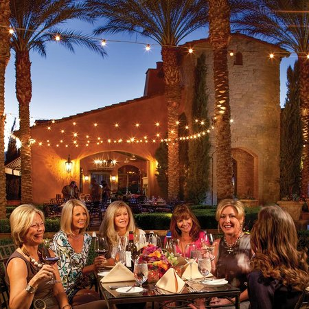 Toscana Country Club: Outdoor Dining at Toscana