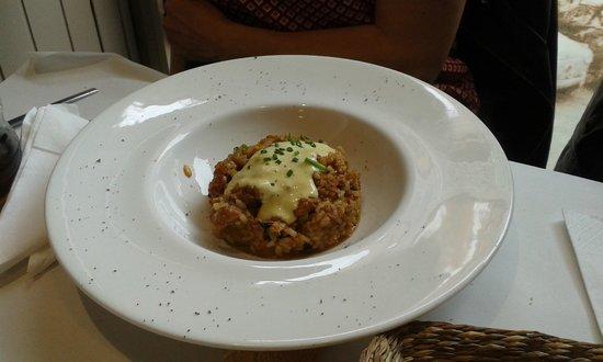 L'Onaindia Restaurant: Arròs de conill deshossat amb all i oli de nyores