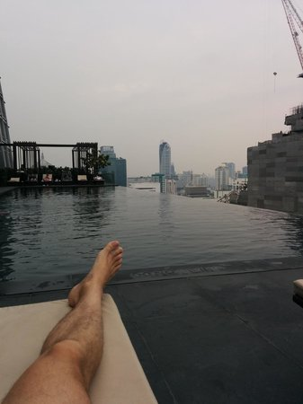 The Okura Prestige Bangkok: Amazing infinity pool