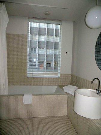The Standard Downtown: Bathroom