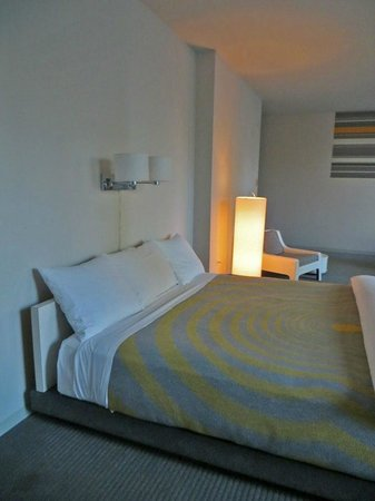 The Standard Downtown : King size bedroom