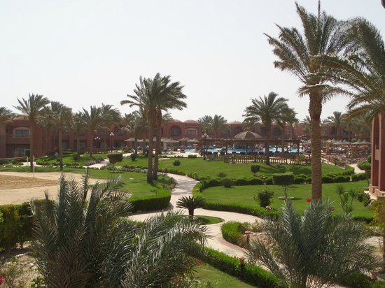 SENTIDO Oriental Dream Resort : 1 of the 3 pools