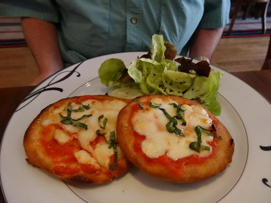 Ultimo Bacio: Pizza starter inc. in daily lunch special