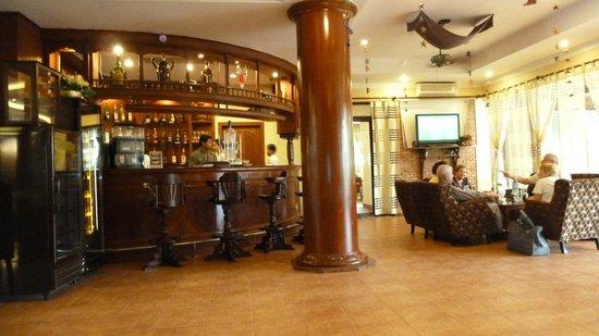 Apsara Angkor Resort & Conference: Bar Apsara Angkor Resort, Siem Reap, Alexandra Box