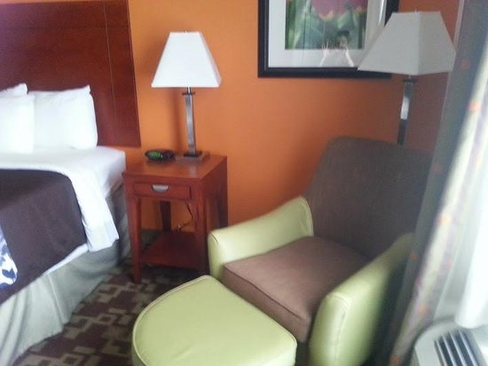 Sleep Inn & Suites Shreveport: Sitting Chair