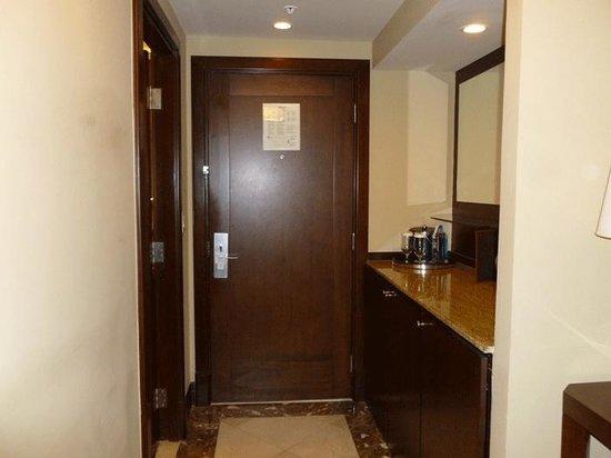 Panama Marriott Hotel: main entrance to hotel room