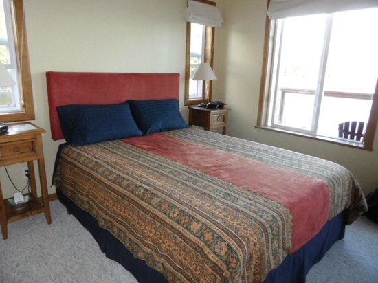 Lund, Canada: Queen size bed