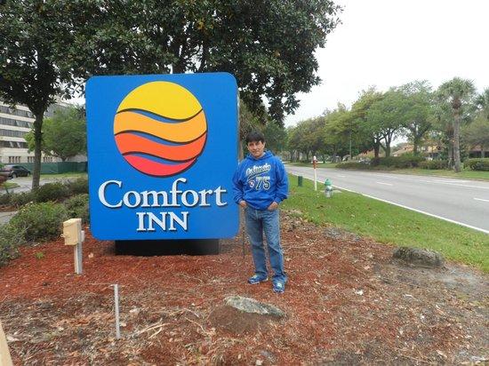 Comfort Inn Orlando/ Lake Buena Vista: frente al hotel
