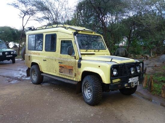 Twiga Lodge: our Safari Land Rover