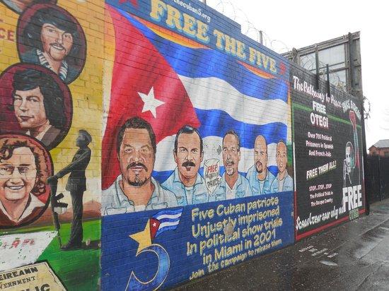 Official World Famous Belfast Black Taxi Tour: Cuba