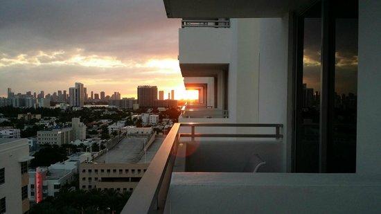Loews Miami Beach Hotel : View from balcony