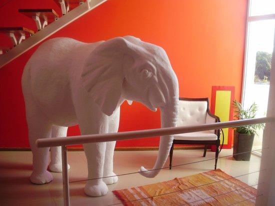 Los Muelles Boutique Hotel: decoración en un piso
