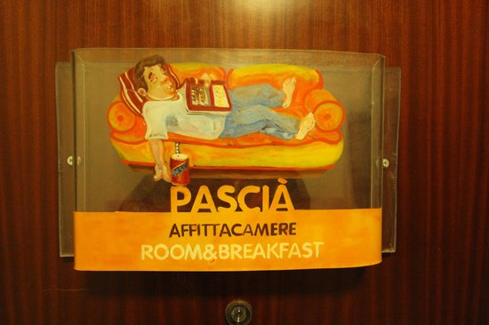 Pascia Room & Breakfast: Front door