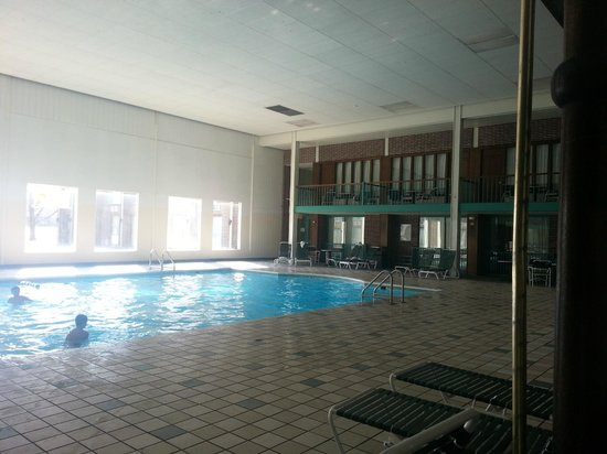 Clarion Highlander Hotel and Conference Center : Pool