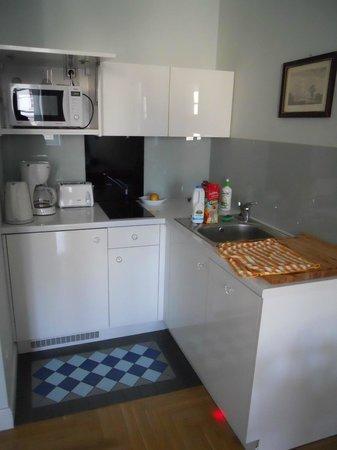 Crystal Suites chez Helena: kitchen
