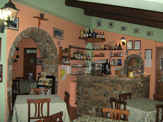 San Costantino Albanese, Italie : Ingresso sala e bar