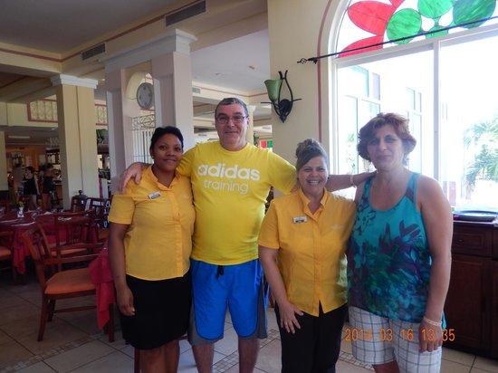 Memories Paraiso Beach Resort : Ivis et Elizabeth ,professionnalisme et hospitalité