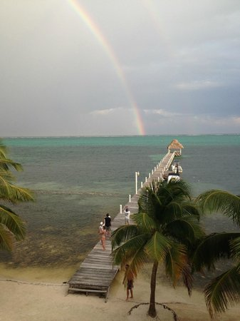 Pelican Reef Villas Resort: Beautiful double rainbow one afternoon